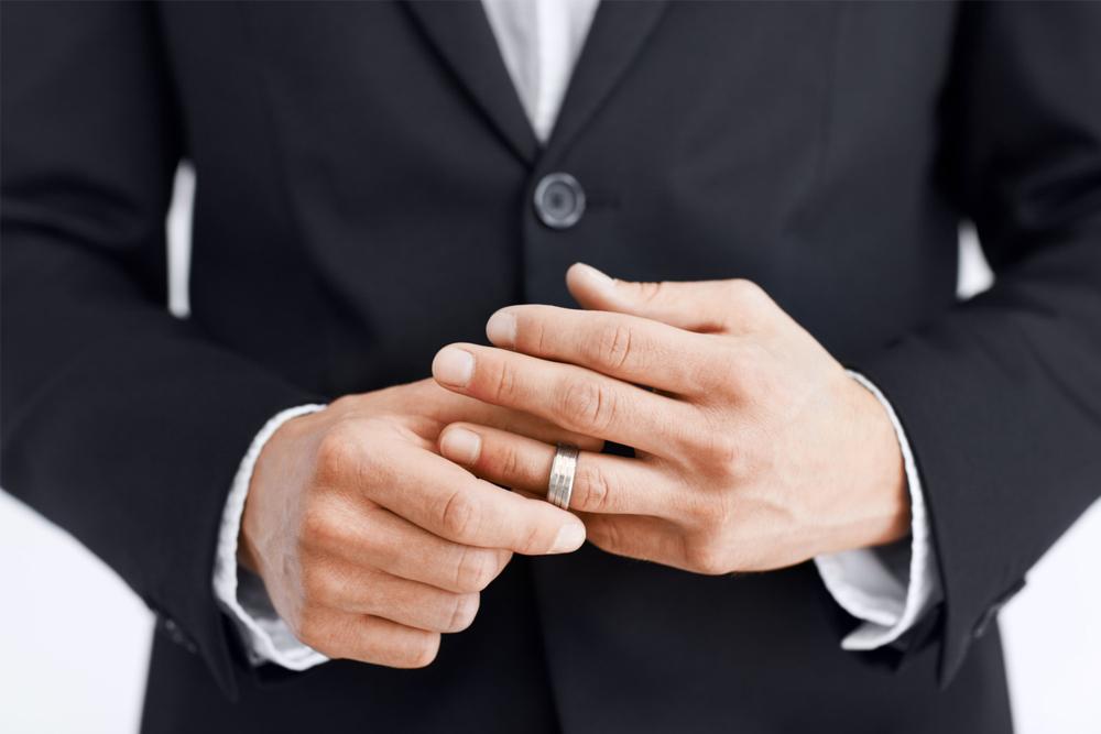 jak sprawdzić telefon męża?